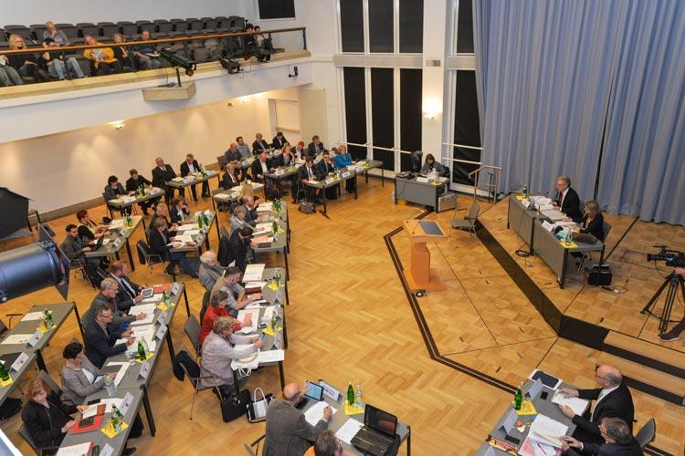 Der neue Etat des Haushaltes der Stadt Oldenburg ist von Rekordvolumen, Überschuss und neuen Schulden gekennzeichnet.