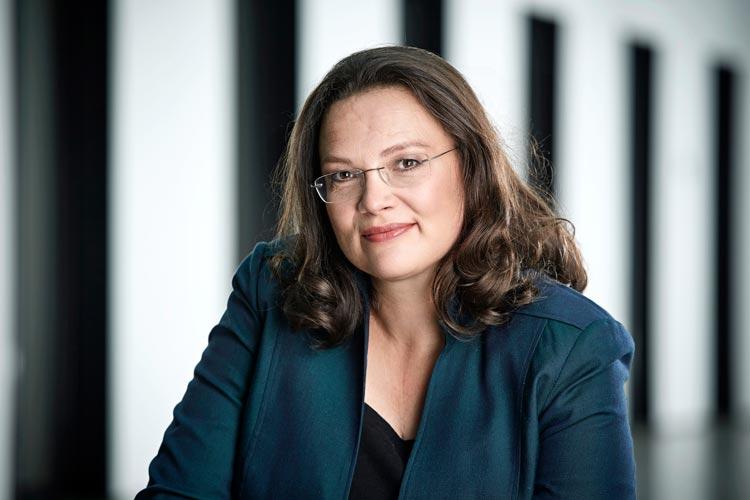 Eine rote Ministerin aus der Bundesregierung wird die nächste Oldenburger Grünkohlkönigin: Arbeits- und Sozialministerin Andrea Nahles.