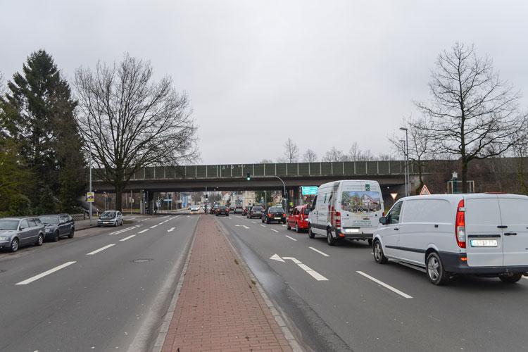 Die Autobahnbrücke über die Alexanderstraße in Oldenburg wird ab dem 17. März abgerissen.